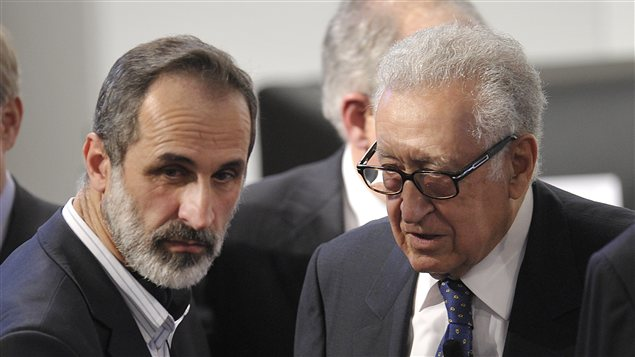 Ahmed Moaz Al-Khatib (à gauche) et Lakhdar Brahimi à Munich