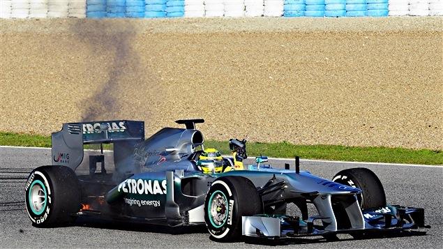 La Mercedes-Benz W04 en feu