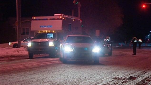 Enquête des policiers d'Edmonton à suite d'un accident de la route impliquant un conducteur ayant des facultés affaiblies.
