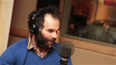 Fr�d�ric Blanchette interpr�te Peter Pan |�Radio-Canada / Philippe Couture