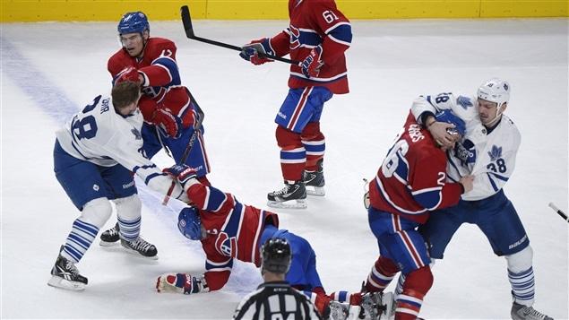 Bagarres au Centre Bell entre le Canadien et les Maple Leafs