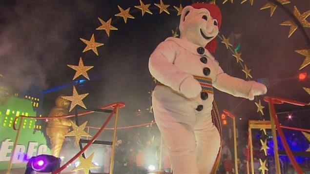 Bonhomme Carnaval lors du défilé de nuit de la Basse-Ville