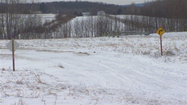 La neige se fait rare dans les sentiers de motoneige en Estrie