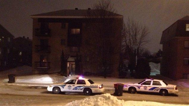 Le corps d'une femme de 56 ans a été retrouvé dans un appartement de Sainte-Thérèse.