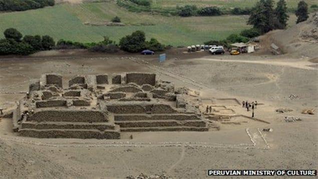 Un groupe d'archéologues péruviens a découvert un temple datant de plus de 5000 ans à l'est de Lima, au Pérou.
