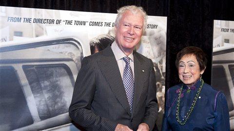 L'ancien ambassadeur canadien en Iran, Kenneth Taylor, lors de la première du film «Argo»