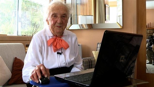 Presque centenaire et branchée : la vie de Claire Sigouin