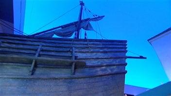 Une réplique de la poupe du San Juan impressionne par sa taille au Musée canadien des civilisations.