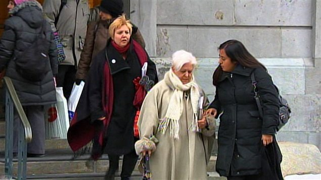 Louise Harel à la sortie de l'hôtel de ville