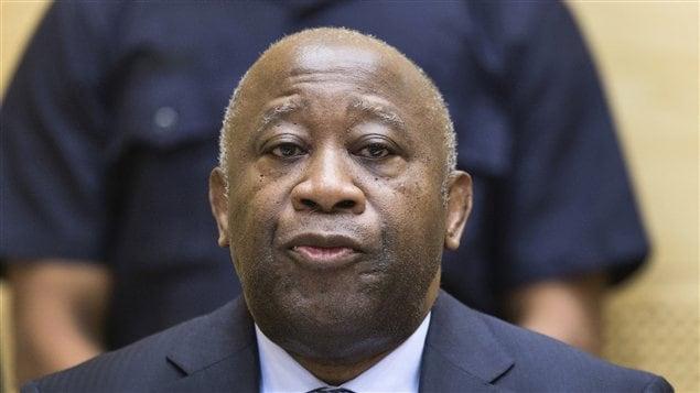 L'ex-président ivoirien Laurent Gbagbo a assisté à l'audience en silence dans le fond de la salle.