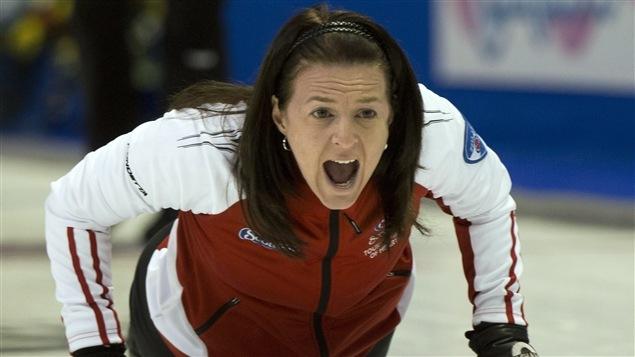 La skip d'Équipe Canada Heather Nedohin
