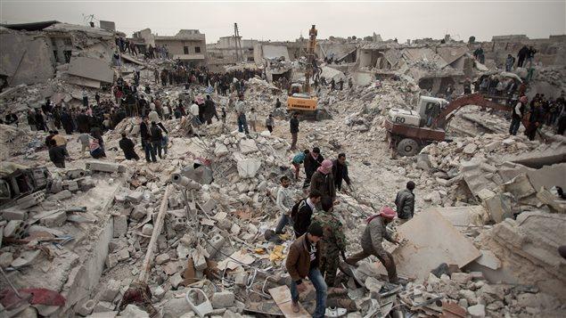 Des ruines laissées par les combats dans la région d'Alep en Syrie.