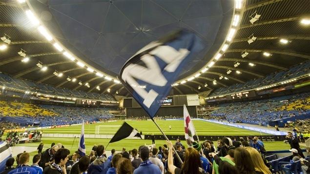 Les partisans de l'Impact de Montréal au Stade olympique