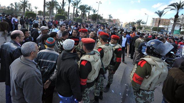 Affrontement entre la police et des protestataires à Port-Saïd.