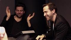Jean-Philippe Cipriani montre ses dents pendant que Jean-Philippe Wauthier invoque la divinité Vishnou.