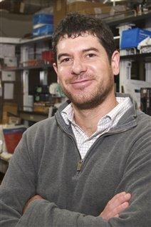 Alexis Vallée-Bélisle, professeur au Département de chimie de l'Université de Montréal Crédit photo: Université de Montréal