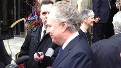 L'ancien premier ministre du Québec, Jean Charest, a tenu à souligner la vie de l'ancien premier ministre de l'Alberta, Ralph Klein.