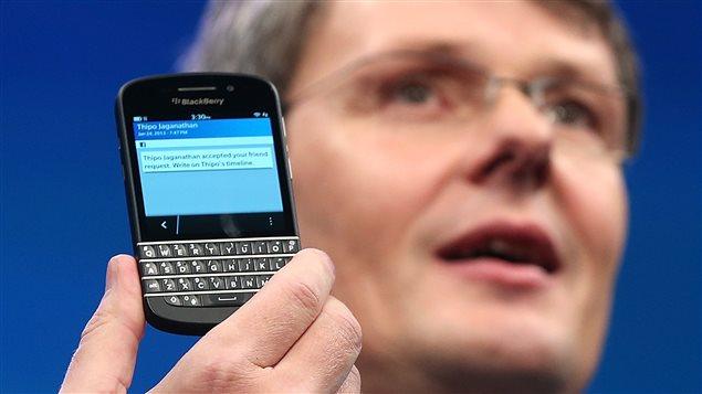 Le BlackBerry 10 avec clavier présenté en janvier dernier par le PDG de l'entreprise, Thorsten Heins.