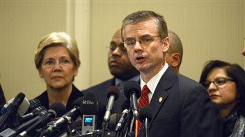 Rick DesLauriers le responsable du FBI, en conférence de presse, mardi
