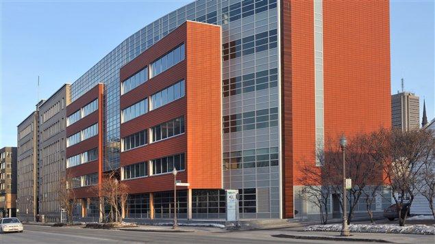 Cet immeuble de six étages est le plus haut édifice du continent doté d'une structure de bois et conçu en vue d'une certification LEED.