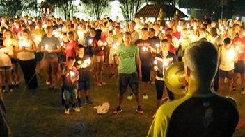 Veillée en hommage aux victimes du double attentat de lundi à Boston