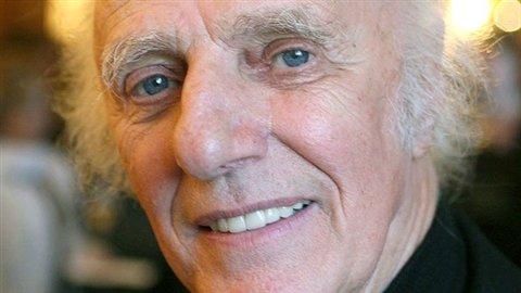 L'auteur-compositeur-interprète et poète Gilles Vigneault
