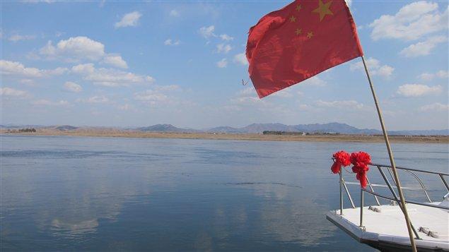 Un beau ciel bleu sans smog ni fumée en Corée du Nord