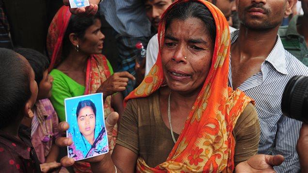 Une femme recherche sa fille disparue depuis l'effondrement de l'immeuble où elle travaillait.