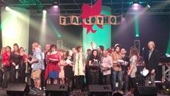 Les artistes réunis sur scène lors du Francothon