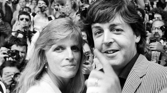 Linda et Paul McCartney en 1980. ©AFP / Ralph Gatti