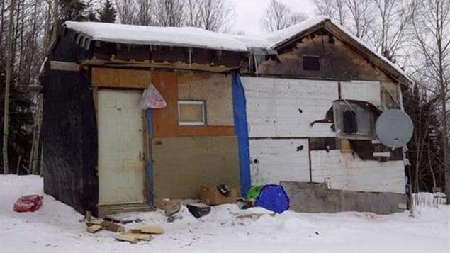 Un exemple de conditions de vie difficiles dans la communauté amérindienne de Wasagamack dans le nord du Manitoba.