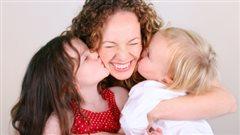 Mère avec ses enfants