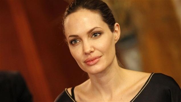 Angelina Jolie fait le choix de subir une double mastectomie