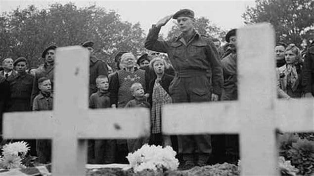 Les funérailles du soldat Bourdages, présumément mort