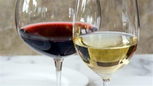 le renouveau des vins grecs bien dans son assiette ici radio canada premi re. Black Bedroom Furniture Sets. Home Design Ideas