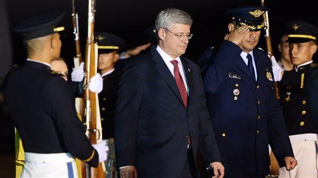 Le premier ministre Stephen Harper arrive à Cali, en Colombie, le 22 mai 2013.