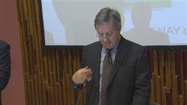 Le Maire de Saguenay perd son combat pour réciter la prière au Conseil - Page 2 130528_2e4aw_priere_jean_tremblay_sn635