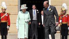 La reine Élisabeth et le prince Philippe à Buckingham Palace, le 6 juin, à Londres.