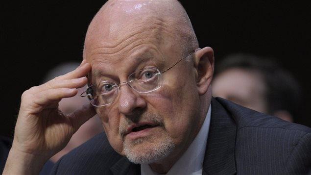 Snowden, l'homme qui dit la vérité, Clapper, l'homme qui ment