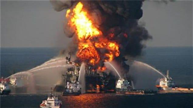 Mardi 20 avril 2010 - Une explosion survient sur la plate-forme pétrolière Deepwater Horizon, située en plein golfe du Mexique.