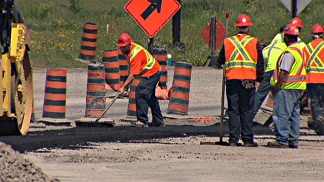 Des travailleurs de la voierie à Ottawa.