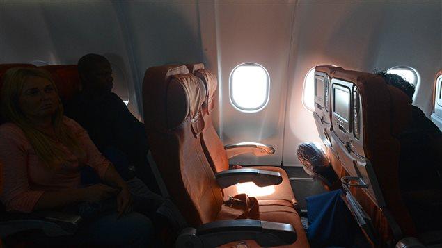 Les voyageurs qui apprécient les collations pendant leur vol ne devraient pas opter pour les places allant de 27 à 33, car c'est là que les repas et boissons sont servis en dernier.