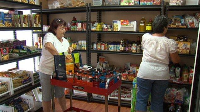 La banque alimentaire compte sur une vingtaine de bénévoles pour fonctionner.