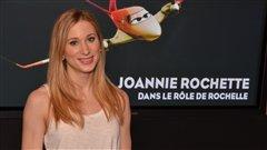 Joannie Rochette double la voix de Rochelle dans la version française du film Les avions.