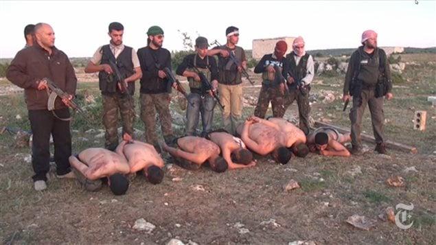 Exécutions de soldats par des rebelles syriens