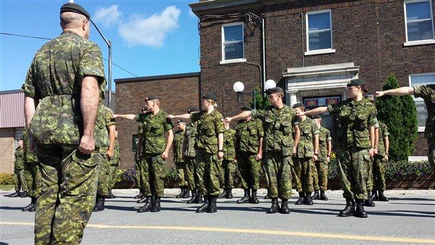 Des soldats canadiens formeront des militaires de l arm e - Bureau de recrutement militaire ...