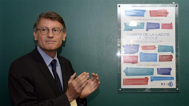 Une charte de la laïcité dans les écoles françaises