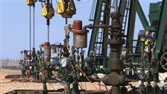 Des puits de pétrole de schiste