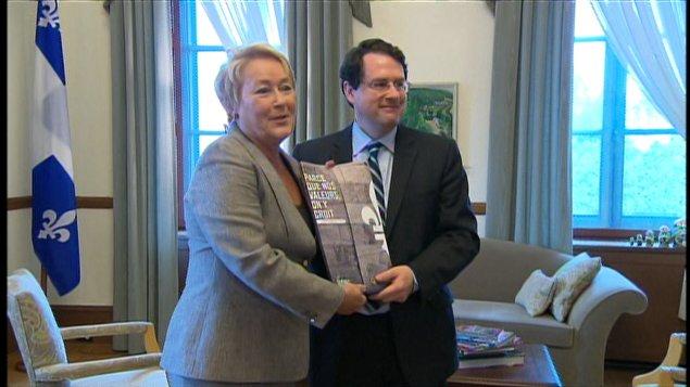 Le ministre Bernard Drainville et la première ministre Pauline marois dévoilaient aux médias la semaine dernière leur projet de charte des valeurs du Québec.