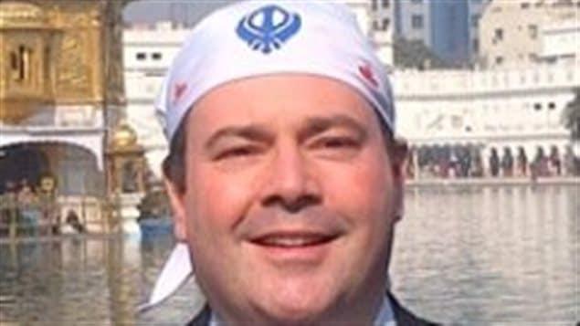 Le ministre Jason Kenney a modifié sa photo de profil Twitter pour l'une sur laquelle il arbore le foulard sikh.